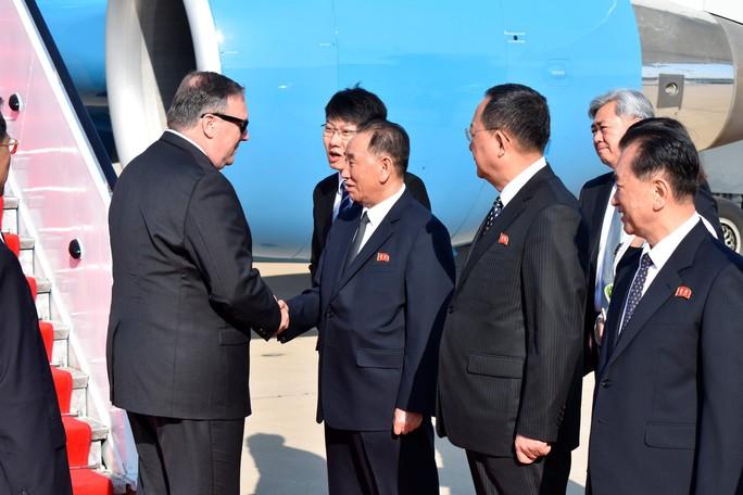 Mỹ xông pha 3 mặt trận chuẩn bị thượng đỉnh với Triều Tiên - Ảnh 2.