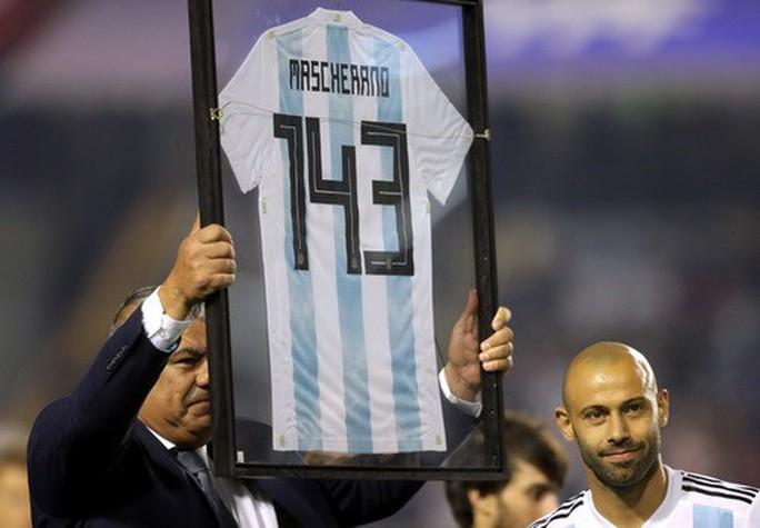 Giao hữu: Messi lập hat-trick, Argentina đè bẹp tí hon Haiti - Ảnh 7.