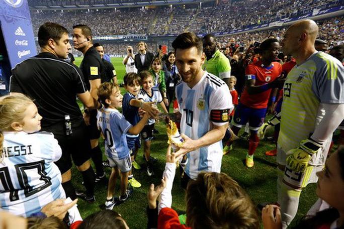 Giao hữu: Messi lập hat-trick, Argentina đè bẹp tí hon Haiti - Ảnh 2.