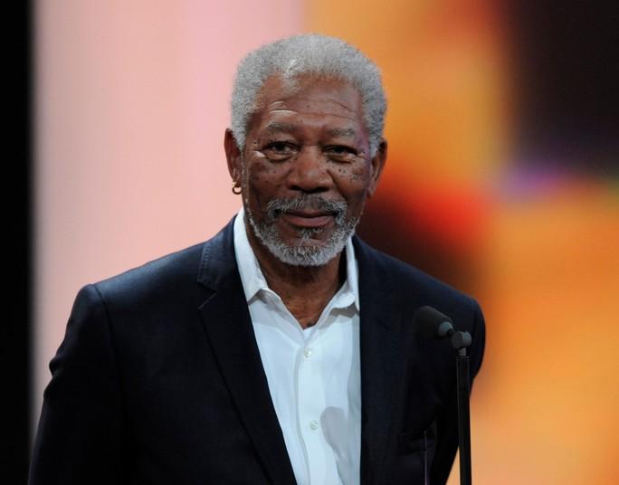 Bị tố quấy rối tình dục, huyền thoại Morgan Freeman đòi được xin lỗi  - Ảnh 1.