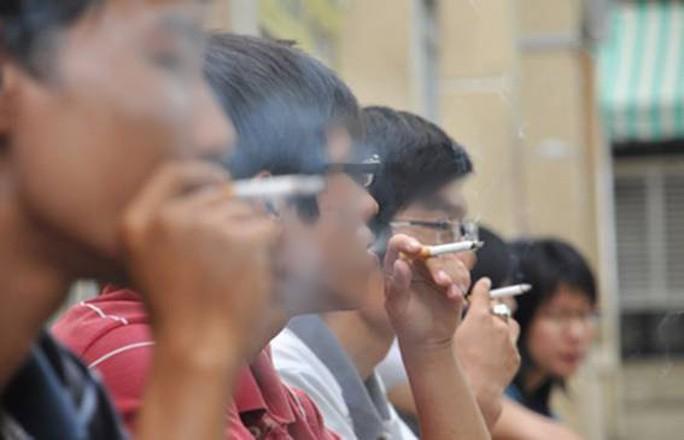 Hút thuốc lá có thể bị liệt dương, vô sinh - Ảnh 1.