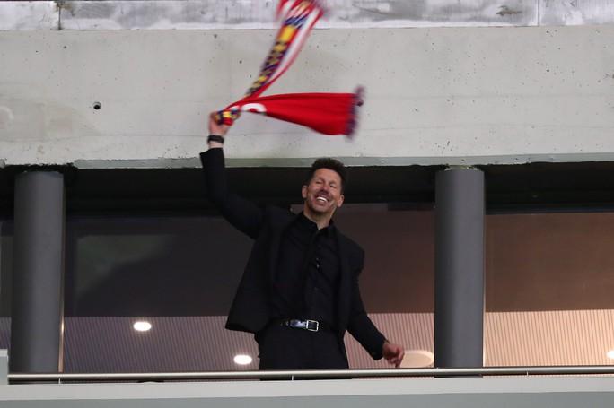 HLV Wenger: Tôi đau buồn khi phải ra đi theo cách này - Ảnh 5.
