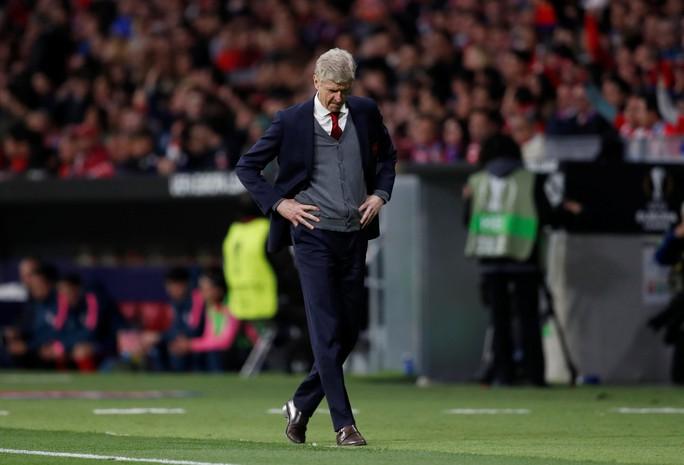 HLV Wenger: Tôi đau buồn khi phải ra đi theo cách này - Ảnh 2.
