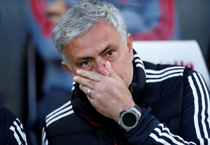 Thua sốc Brighton, Mourinho liên tục nhắc đến Lukaku - Ảnh 4.
