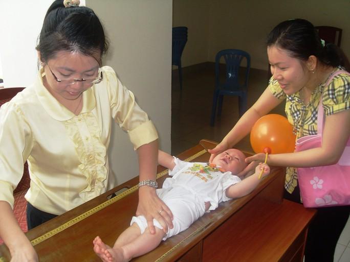 Trẻ biếng ăn: dễ bị rối loạn lo âu, khó hòa nhập - Ảnh 1.