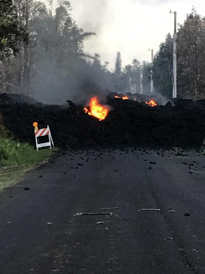 Tuyến lửa rợn người trên đảo Hawaii - Ảnh 6.
