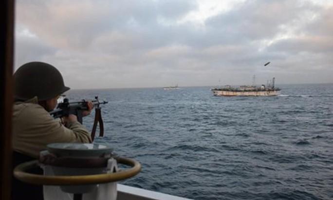 Argentina phạt tàu cá Trung Quốc gần nửa triệu USD - Ảnh 1.