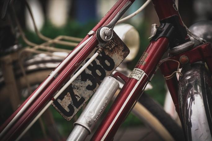 Độc đáo những xe đạp cổ giá nghìn đô giữa lòng Hà Nội - Ảnh 11.