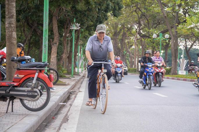 Độc đáo những xe đạp cổ giá nghìn đô giữa lòng Hà Nội - Ảnh 14.