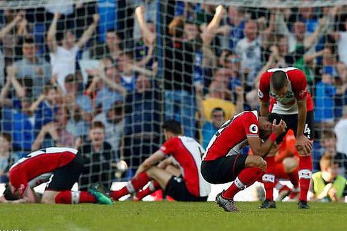Swansea và trò bẩn với Southampton trước trận chiến trụ hạng - Ảnh 4.