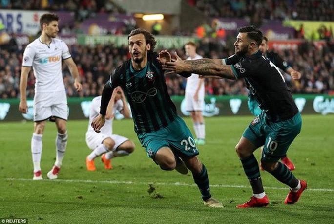 Swansea trắng tay trước Southampton, West Brom rớt hạng - Ảnh 6.