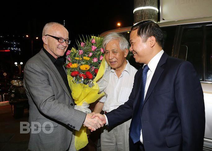 Bình Định đón 2 nhà khoa học đoạt Giải Nobel đến dự hội thảo - Ảnh 1.