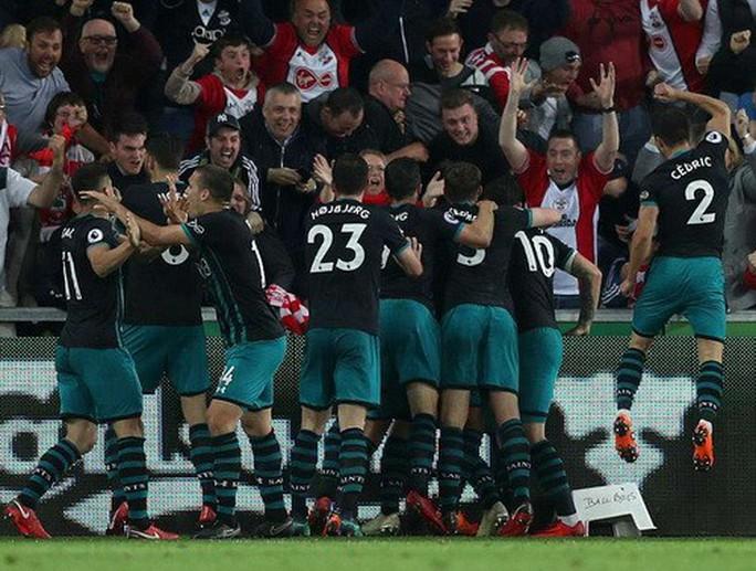 Swansea trắng tay trước Southampton, West Brom rớt hạng - Ảnh 7.