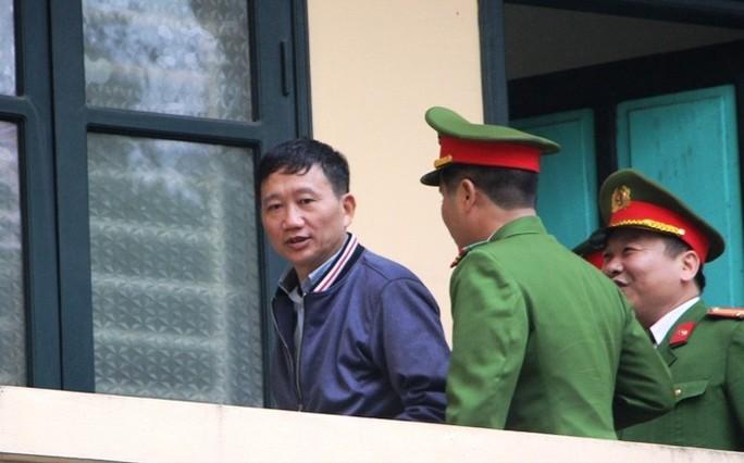 Tòa xử ông Đinh La Thăng và đồng phạm: Thẩm vấn bị cáo Vũ Đức Thuận - Ảnh 4.
