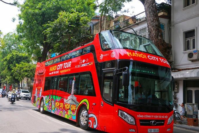 Xe buýt 2 tầng vắng khách, Tổng Công ty Vận tải Hà Nội nói gì? - Ảnh 3.
