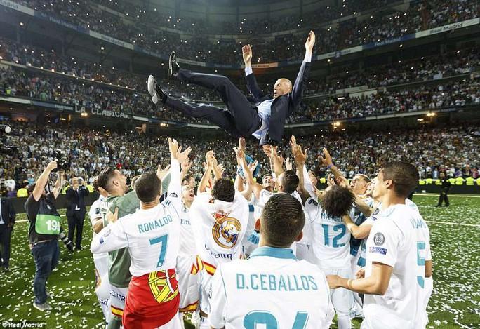 Zidane từ chức, cả châu Âu nín thở ngóng Real Madrid - Ảnh 2.