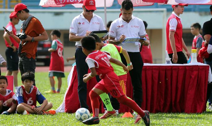 Khởi động trại hè bóng đá thiếu niên với HLV Huỳnh Đức, Thanh Bình - Ảnh 3.