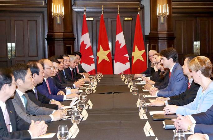 Hai Thủ tướng Việt Nam và Canada hội đàm: Không sử dụng vũ lực ở biển Đông - Ảnh 3.