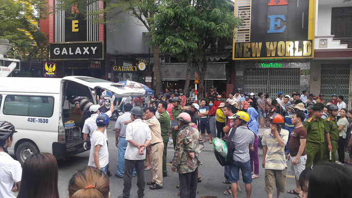 Tránh xe taxi, cháu trai 8 tuổi chết thảm dưới gầm xe bồn - Ảnh 1.