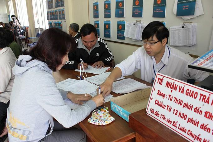 Quảng Ngãi đề nghị kỷ luật cán bộ vi phạm quy định giải quyết thủ tục hành chính - Ảnh 1.