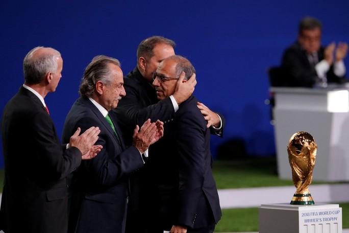Liên danh 3 nước Bắc Mỹ giành quyền đăng cai World Cup 2026 - Ảnh 2.