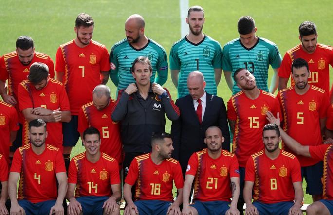 Real Madrid bất ngờ bổ nhiệm HLV tuyển Tây Ban Nha thay thế Zidane - Ảnh 5.