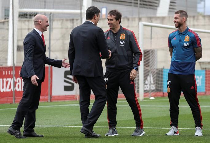 Real Madrid bất ngờ bổ nhiệm HLV tuyển Tây Ban Nha thay thế Zidane - Ảnh 4.