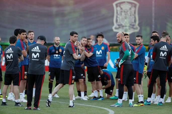 Hierro: Tây Ban Nha nên quên cú sốc để tập trung vào World Cup - Ảnh 3.