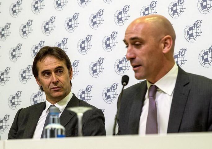 Cả châu Âu sốc nặng khi HLV tuyển Tây Ban Nha bị sa thải - Ảnh 1.