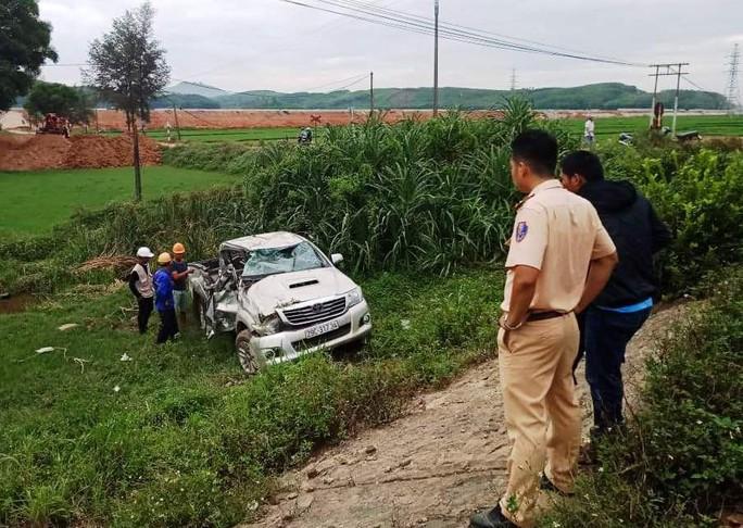 Lại xảy ra tai nạn tàu hỏa tông ô tô, 2 người thương vong - Ảnh 2.