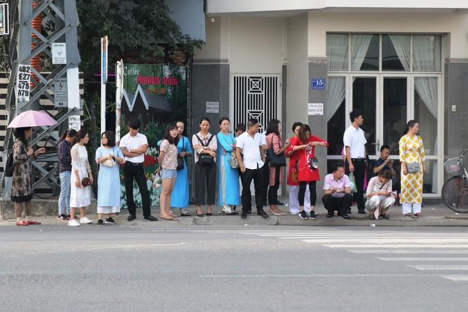 Người Trung Quốc bám Nha Trang: Xử phạt hơn 1,2 tỉ đồng - Ảnh 1.