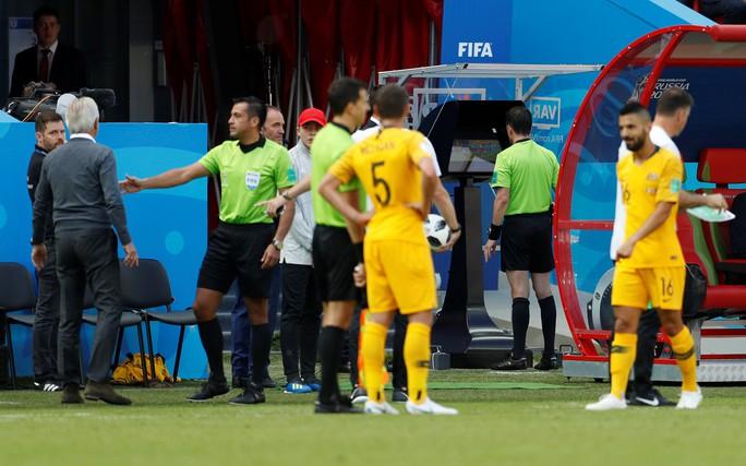 Pháp - Úc 2-1: Chiến thắng của công nghệ - Ảnh 1.