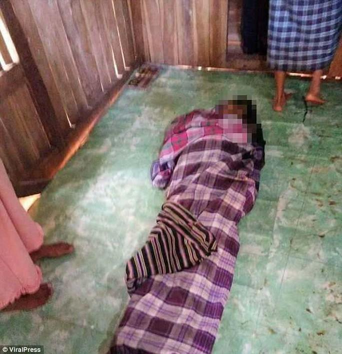Mổ bụng trăn 8 m, kinh hãi phát hiện thi thể phụ nữ - Ảnh 3.