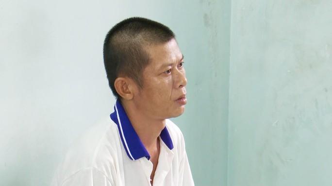 Can ngăn nghịch tử hành hung mẹ ruột, một phụ nữ bị đánh gãy tay - Ảnh 1.