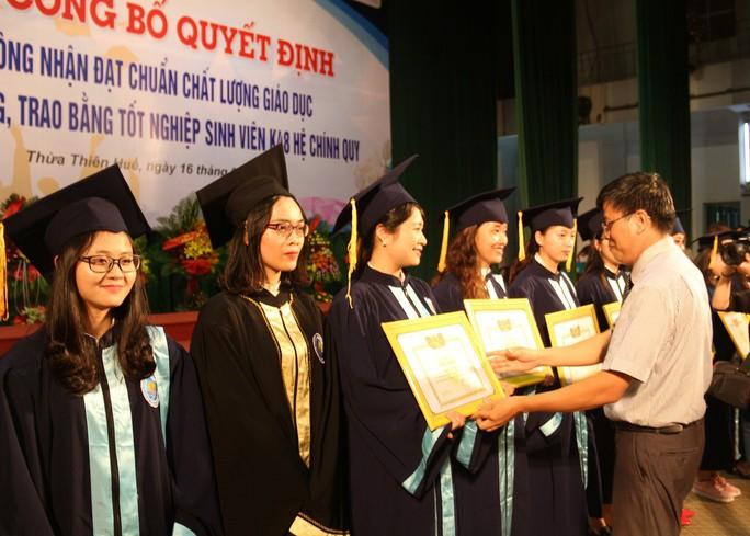 Trường ĐH Kinh tế Huế đạt chuẩn chất lượng giáo dục - Ảnh 2.