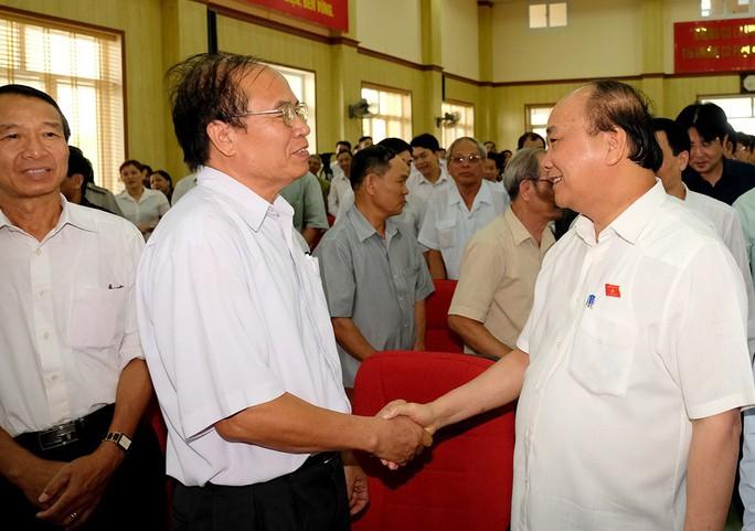 Thủ tướng mong người dân bình tĩnh, tỉnh táo, nhất là lớp trẻ - Ảnh 1.