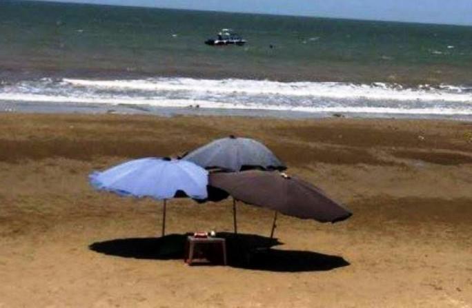 Du khách Hà Nội chết đuối khi tắm biển ở Thanh Hóa - Ảnh 1.