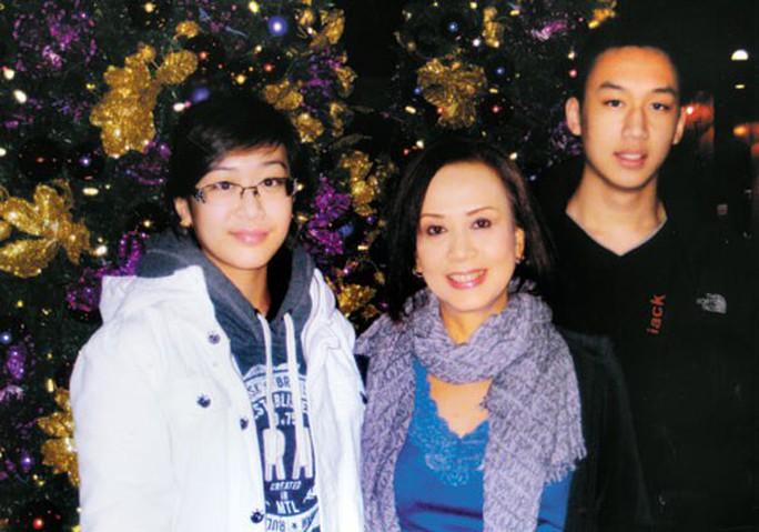 Nghệ sĩ Minh Phượng hồi phục sau cơn đột quỵ - Ảnh 3.