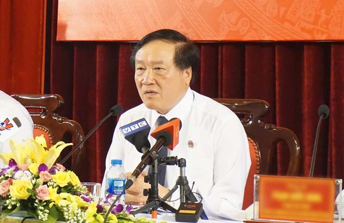 Chánh án Nguyễn Hòa Bình ấn tượng về câu hỏi tòa án lương tâm vụ bác sĩ Hoàng Công Lương - Ảnh 1.
