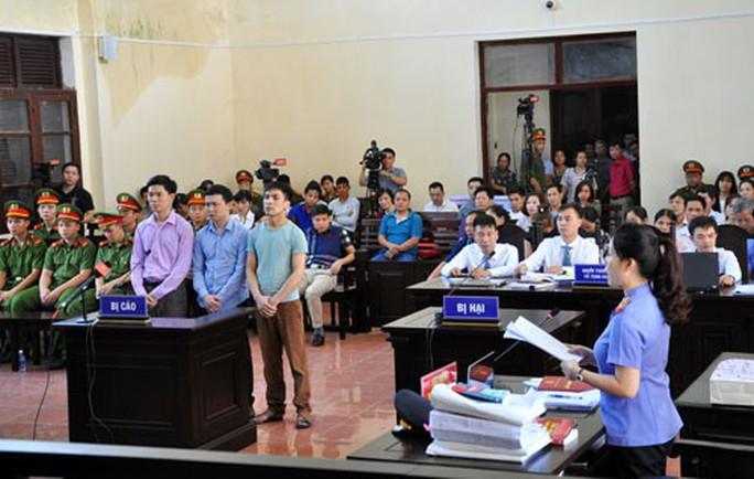 Thẩm phán sai sót khi tuyên Nguyễn Khắc Thủy án treo - Ảnh 1.