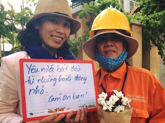 Kinh hãi những thứ được móc lên từ lòng cống ở Sài Gòn - Ảnh 11.