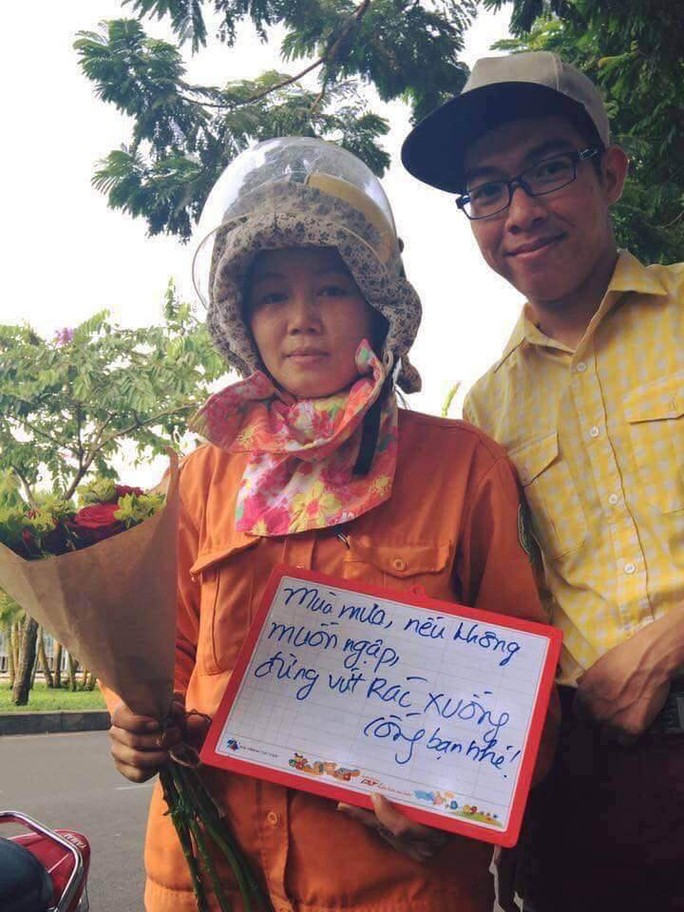 Kinh hãi những thứ được móc lên từ lòng cống ở Sài Gòn - Ảnh 12.