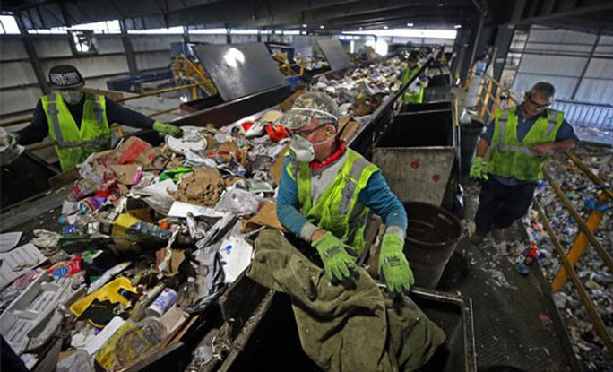 Đại hồng thủy rác nhựa nhấn chìm thế giới - Ảnh 1.