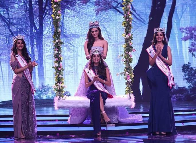 Tân Hoa hậu Ấn Độ: Mạnh mẽ nhờ mẹ! - Ảnh 1.