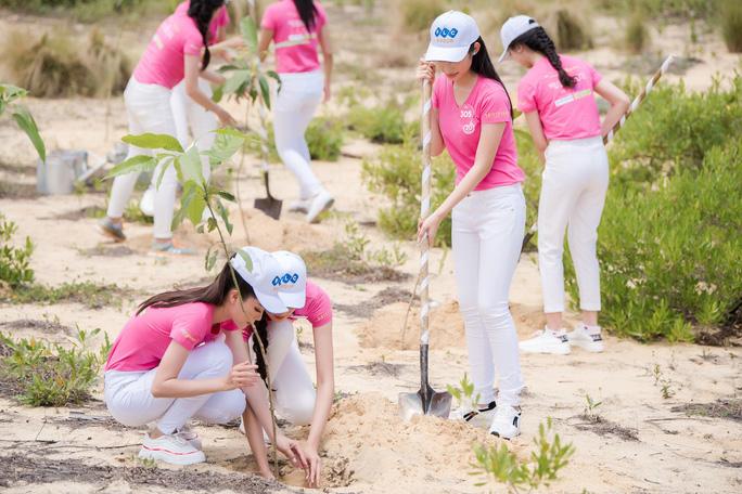 Thí sinh Hoa hậu Việt Nam 2018 nóng bỏng với bikini - Ảnh 7.