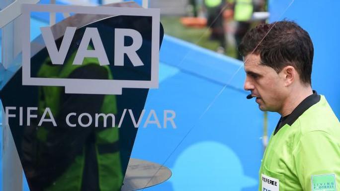 FIFA ca ngợi VAR và trọng tài - Ảnh 1.
