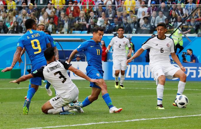 VAR tước phạt đền của Neymar, Brazil vẫn thắng kịch tính phút bù giờ - Ảnh 3.