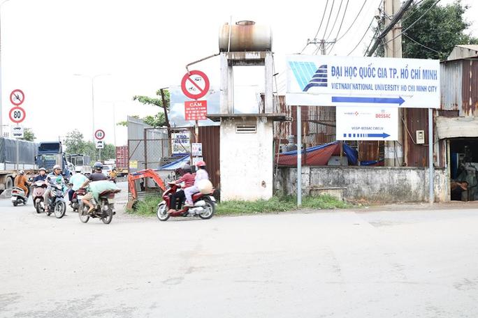 Ớn lạnh cảnh liều chết của người Sài Gòn - Ảnh 4.