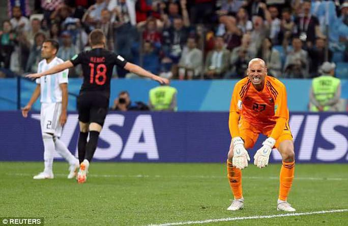 HLV Sampaoli: Messi thi đấu chưa tốt tại…đồng đội - Ảnh 2.