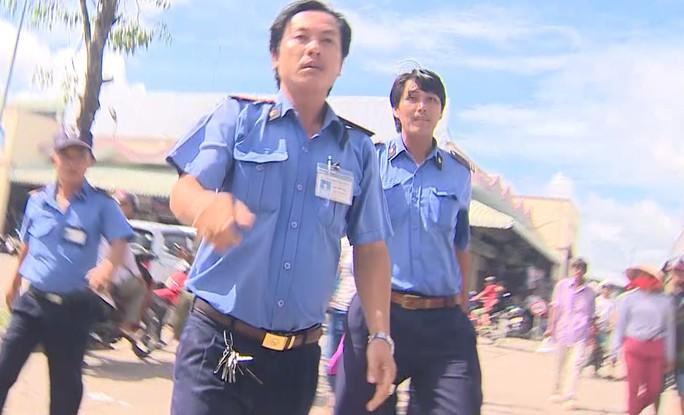 Vụ phóng viên VTV bị bảo vệ chợ dọa đánh: Người trong cuộc lên tiếng - Ảnh 2.